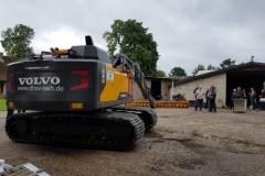 Betriebshof-Volvobagger1b
