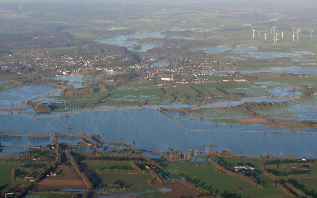 Luftbild Kellinghusen im Hochwasser